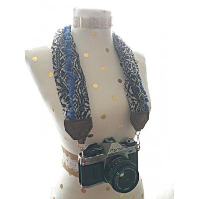 وشاح حامل للكاميرا باللون الأزرق