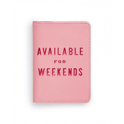 """""""Available For Weekends"""" بطاقة تعريف لحقائب السفر + حامل جواز السفر + حقيبة للسفر من بندو"""